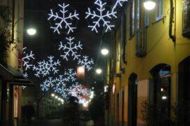 fiocchi di neve con tubo luminoso